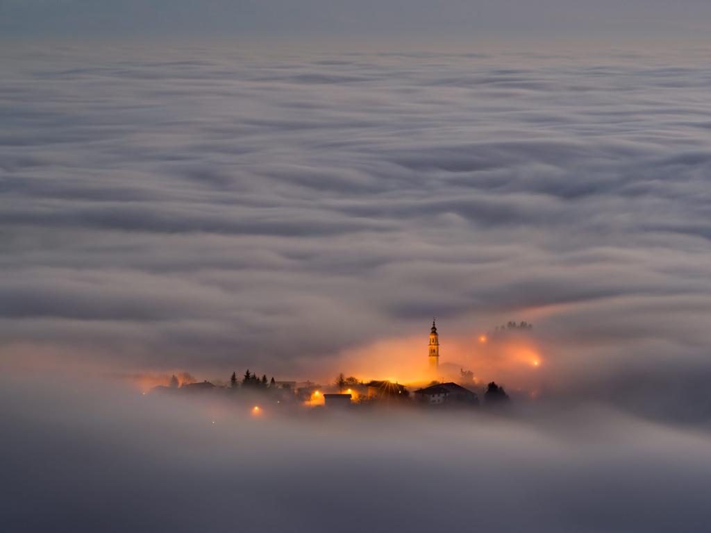 Опубликовано. Города окутанные туманом (14 фото). в галерее. с